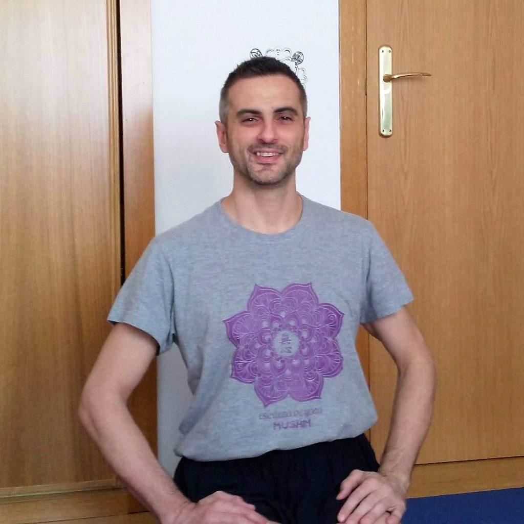 Iván Arroyo Profesores de Yoga de Centro Mushin